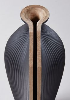 Here is a tableware collection interpreted and designed by Gareth Neal in collaboration with Zaha Hadid. Made in oak, these objects push the limits of the ordin Zaha Hadid, Design Digital, Shape And Form, Deco Design, Design Design, Wood Sculpture, Abstract Sculpture, Textures Patterns, Ceramic Art