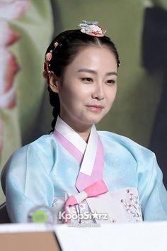 Hong Soo Hyun in Hanbok헬로우카지노 ✾ PINK14.COM ✾헬로우카지노