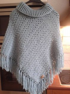 Picture only. Need to figure out how to add the cowl neck. Crochet Poncho Patterns, Crochet Shawls And Wraps, Crochet Jacket, Crochet Cardigan, Crochet Scarves, Crochet Yarn, Crochet Clothes, Poncho Shawl, Knitted Poncho