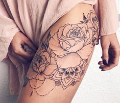 Beautiful Realistic Rose Chandelier Thigh Tattoo Ideas for Women &; Beautiful Realistic Rose Chandelier Thigh Tattoo Ideas for Women &; Katha N kathaschatz beautiful tattoos Beautiful Realistic Rose […] tattoo color Black And White Rose Tattoo, White Rose Tattoos, Tattoo Black, Rose Side Tattoos, White Ink, Black Flower Tattoos, White Roses, Trendy Tattoos, Small Tattoos
