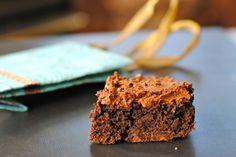 3 ingredient vegan brownies. 1 box chocolate cake mix (duncan hines dark is accidentally vegan) + 1 can pumpkin puree + 1/2 c of dairy free chocolate chips