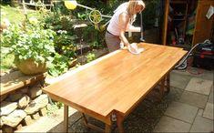 Tisch Möbel neu aufbereiten Richtig Streichen ouml dem gr uuml ndlichen Reinigen Abschleifen Tischoberfl auml Tischbeine des Tisches Welche Farbe soll denn n