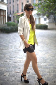 Can this girl pull off shorts or what?  Such a clean, sleek outfit.