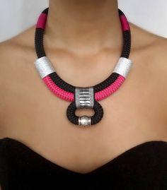 Collier arabesque noir  collier pour femme  collier ethnique
