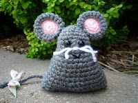 The Kansas Hooker: Mouse Tri-Ami Free pattern!
