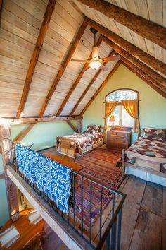This is a336 sq. ft. renovated Tiny Barn Cabin. It's called the Dry Creek Guest House. Wait until you step inside – it's beautiful! Please enjoy and re-share below. Thanks! Related: 15…