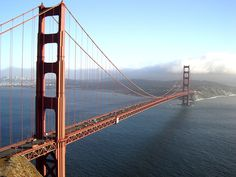 Golden Gate Bridge, probably the most recognized bridge in the world. The bridge spans the narrow inlet from the Pacific Ocean into San Francisco Bay, the 'Golden Gate'. Golden Gate Bridge, Ponte Golden Gate, Ponte Pensil, Ville New York, Famous Bridges, Suspension Bridge, By Train, Most Beautiful Cities, Amazing Places