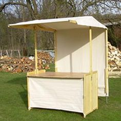 klipklap Infostand - sustainable, self-tensioning cotton tarpaulin Kiosk Design, Cafe Design, Coffee Carts, Coffee Shop, Kids Lemonade Stands, Food Cart Design, Food Kiosk, Pop Up Market, Vendor Booth
