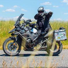 """Eres tú!!""  Repost @motoinsider  Referentes del Dual Sport en Panamá!  #DualSportPty #DualSportPma #DualSportPanama #DualSport #BigTrail #Enduro #Motocross #DirtBike #SuperMotard #Panama #PanamaCity #Pty #Yamaha #Honda #Suzuki #Kawasaki #KTM #BMWMotorrad #Ducati #Triumph #Aprilia #Husqvarna #Instagram #InstaFoto #InstaPics #VisitaPanama #VisitPanama"