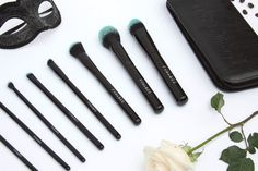 Back to beauty though. More often than not, high end brush sets are a mixture of synthetic and animal hair depending on the consistency of the product the brush was made for. Furless Cosmetics makes – you guessed it – VEGAN brushes and they are seriously heaven in brush form. Pictured is their Black Beauty set.