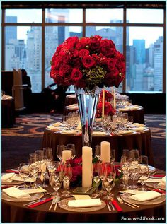 red roses in the table