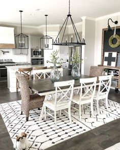 Interior Design & Hospitality Design Industry-Tips Farmhouse Dining Room design Hospitality IndustryTips interior Farmhouse Dining Room Table, Dining Room Table Decor, Dining Room Design, Dining Area, Kitchen Dining Tables, Kitchen Table Light, White Dinning Table, Dinning Room Ideas, Rug Under Kitchen Table