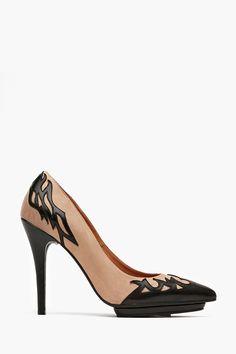Cline Platform Pump from Nasty Girl Inc.... Zapatos Shoes e7d568e50417