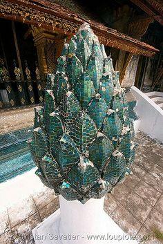 lotus flower mosaic sculpture in temple, luang prabang