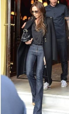 Casual done right Purse, coat and sunglasses - Victoria Beckham Collection Jeans - J Brand Shoes - Chloe Moda Victoria Beckham, Victoria Beckham Style, Fashion Mode, Look Fashion, Vic Beckham, Victoria Beckham Collection, How To Have Style, Mode Jeans, Modest Fashion