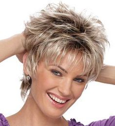 Messy Layered Short Hair Style Picture                                                                                                                                                                                 Más