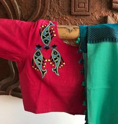 Embroidered Readymade Cotton Blouses from Pretty Weaves Sari Blouse Designs, Fancy Blouse Designs, Saree Blouse Patterns, Designer Blouse Patterns, Blouse Styles, Design Patterns, Blouse Models, Cotton Blouses, Fabric Painting