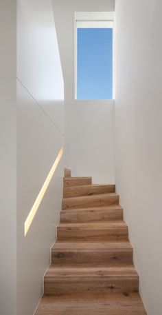 New Stairs Ideas Stairways Ideas Stairs Window, Tile Stairs, Wooden Stairs, House Stairs, Skylight Window, Interior Stairs, Interior Design Living Room, Iron Stair Railing, Basement Furniture