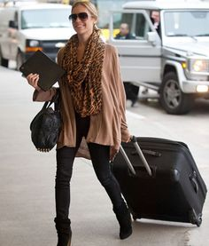 tallgirltales: Airport style: Kristin Cavallari Not her biggest fan, but perfect airport outfit. Passion For Fashion, Love Fashion, Womens Fashion, Style Fashion, Leopard Fashion, Curvy Fashion, Fashion Beauty, Fashion Tips, Fashion Trends