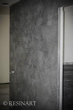 parete lavorata artigianalmente in resina artistica