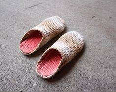 Crochet Pattern   Cable Slippers