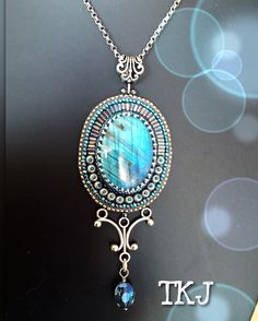 Labradorite pendant, on commission By:Astrid de Koning-the King's Jewellery