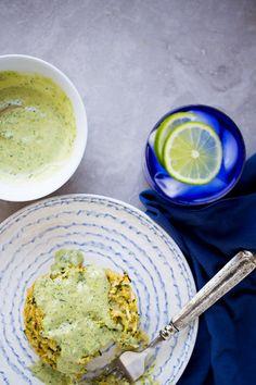 Tortitas de zucchini (calabacita) y quinoa con pesto-mayo - Piloncillo&Vainilla