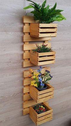 House Plants Decor, Plant Decor, Diy Pallet Wall, Pallet Wood, Wood Pallets, Small Balcony Decor, Pallet Furniture Designs, Decoration Plante, Plant Shelves
