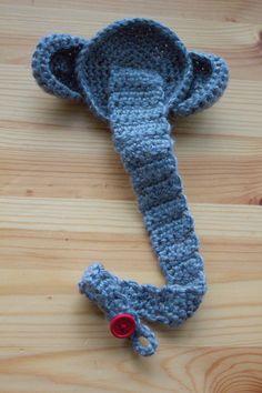 How to make a crochet. Crochet Elephant Pacifier Clip - Step 1