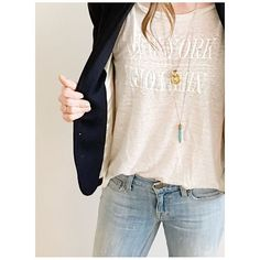 A closer look! ☝️☝☝️ | White linen New York, New York tee from @madewell1937 Schoolboy #blazer in navy, downtown #skinnyjeans and gold pearl flower locket from @jcrew #howtojcrew