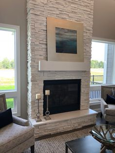 Stone Fireplace Decor, Fireplace Feature Wall, Fireplace Redo, Fireplace Remodel, Modern Fireplace, Living Room With Fireplace, Fireplace Design, Home Living Room, Great Rooms