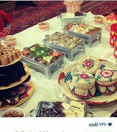 Cheap Table Decorations, Ramadan Decorations, Food Decoration, Eid Crafts, Ramadan Crafts, Eid Party, Henna Party, Ramadan Activities, Light Appetizers