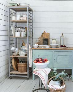Parolan asema (@parolanasema) • Instagram-kuvat ja -videot Kitchen Cart, Instagram, Home Decor, Decoration Home, Room Decor, Home Interior Design, Home Decoration, Interior Design