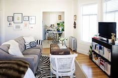 http://www.apartmenttherapy.com/how-to-layout-a-studio-apartment-220821?utm_source=pinterest&utm_medium=social&utm_campaign=managed&crlt.pid=camp.Kg42KMP7dXW7