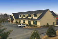 Greenbriar's large spacious building that can accommodate up to 400 dogs 50 cats… – Canine Obedience Unlimited – pet resort Cat Vet, Pet Boarding, Pet Resort, Dog Grooming, Dog Training, Lund, Luxury, Pets, Building