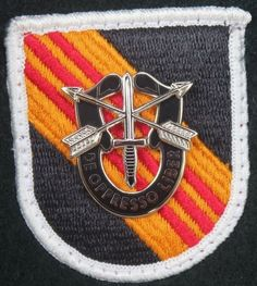 US Army 5th Special Forces Group 1960's / 1970's Cut Edge