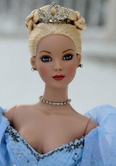 Cinderella - Cinderella goes to the ball