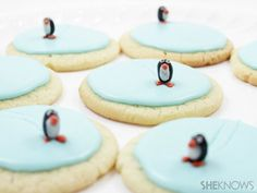 Ice Skating Penguin Cookies - Lexi, please make cupcakes like this, lol! Christmas Treats, Holiday Treats, Christmas Cookies, Holiday Recipes, Christmas Christmas, Christmas Recipes, Sugar Cookie Frosting, Sugar Cookies, Holiday Baking