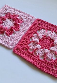 Hi folks I have a new free crochet pattern for you today. It's called Pinkie. I designed this...