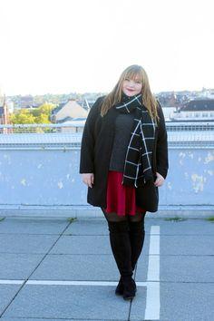 Plus Size Fashion - kathastrophal.de   Plus Size Overknee Boots Outfit