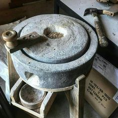 Kitchen Supplies, Kitchen Items, Kitchen Utensils, Rustic Kitchen, Vintage Kitchen, Kitchen Decor, Cool Kitchen Gadgets, Cool Kitchens, Kitchen Organisation