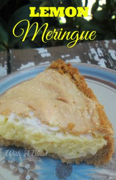 Lemon Meringue recipe with no frills, no-fuss and a super quick and easy crust - always welcome for dessert or as a tea time treat ! Lemon Dessert Recipes, Sweets Recipes, No Bake Desserts, Easy Desserts, Delicious Desserts, Lemon Meringue Recipe, Cheesecakes, Baking Store, Ideas Paso A Paso