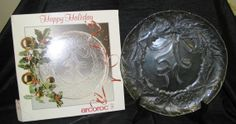 """Christmas Wreath Platter 13"""" glass"""