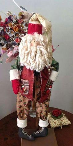 christmas sparkles n spirit - PIPicStats Christmas Town, Christmas Themes, Xmas, Holiday Decor, Christmas Stockings, Christmas Ornaments, Christmas Projects, Holidays And Events, Handmade Christmas