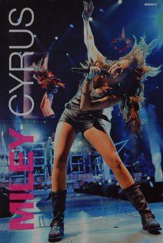 Miley Cyrus World Wonder Tour Hannah Montana, Disney Channel, Miley And Liam, Miley Stewart, Film Big, Miley Cyrus News, Old Disney, Liam Hemsworth, American Singers