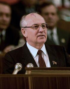 Горбачев разваливал СССР сознательно, - считает Маршал Язов