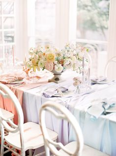 Soft and romantic spring wedding inspiration with a pastel color block palette - 100 Layer Cake Reception Table, Wedding Reception Decorations, Wedding Tables, Table Decorations, Wedding Ideas, Spring Wedding Inspiration, 100 Layer Cake, Pastel Colors, Tablescapes