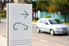 This design is very cool because no words were used, but the information is still very clearly relayed. Environmental Graphic Design, Environmental Graphics, Visual Design, Design Design, Design Hotel, Totems, Wayfinding Signs, Sign System, Outdoor Signage