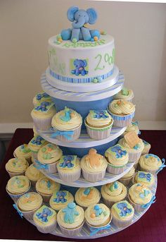 Idea's for Ethan & Hamish Naming Day cake & cupcakes