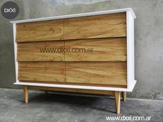 Cómoda modelo Retro (versión Guatambu natural). 6 cajones con guías telescópicas. Estructura de apoyo de madera maciza Guatambu, cuerpo y frentes de madera enchapada en Guatambu, interior de cajones en MDF. Todo con lustre poliuretanico al natural.    www.dxxi.com.ar #dxxi #muebles #furniture #madera #wood #InteriorDesing